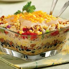 Southwestern Chicken and Cornbread Salad. Ingredients ½ cup diced red onion ½ cup shredded cheddar cheese 1 can ounces) drained whole kernel sweet corn 1 can ounces) pinto beans rinsed,drained I Love Food, Good Food, Yummy Food, Tasty, All You Need Is, Just In Case, Cornbread Salad Recipes, Homemade Cornbread, Cornbread Muffins