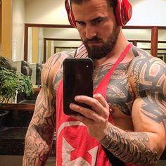 Dom, SRNA ☤ (@domarnold_srna) • Instagram photos and videos Inked Men, Singles Day, That Way, Messenger Bag, Photo And Video, People, Public, Student, Hands