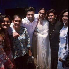 [Inside pics] Ranveer Singh and Deepika Padukone had a blast at the Padmaavat screening last night
