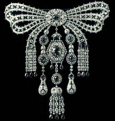 Cartier diamond and sapphire devant corsage Grand Duke Paul of Russia gave his daughter, Grand Duchess Maria Pavlovna the Younger, when she married Prince William of Sweden.