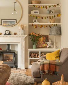 Alcove Ideas Living Room, Cute Living Room, Cottage Living Rooms, Home And Living, Living Room Designs, Living Room Decor, Front Room Ideas Cosy, Cosy Home Ideas, Decorating Ideas For The Home Living Room