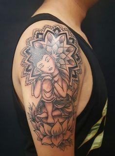 Cierta espectacularidad se logra con los tatuajes de buda en el brazo, se pueden utilizar todas las técnicas de este arte para lograr diseños únicos y realistas