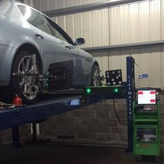 Some wheel alignment fun today on a Maserati quatroportte, Needing her camber adjusted with shims , a breeze with the Bosch alignment system and trained Technician. Wheel Alignment, Maserati, Edinburgh, Breeze, Centre, 3d