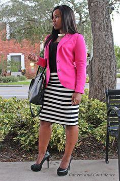 Hot Pink blazer with black and white skirt looks amazing. A cobalt blue blazer would also look stunning. Us full figured women need to abandon our fear of horizontal stripes - forget what the 'fashion rules' and wear Miami Fashion, Work Fashion, Curvy Fashion, Plus Size Fashion, Womens Fashion, Miami Mode, Rosa Blazer, Curves And Confidence, Top Mode