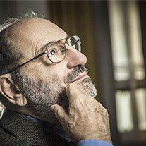Тонкий интеллектуал – и автор популярнейшего романа. Едкий критик – и созерцающий философ. Умберто Эко рассказывает о переменах своей судьбы, снах, психоаналитиках и президентах.