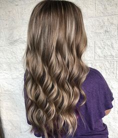The waves and a dimension always work together so great. As proof, these soft waves with blonde highlights on long hair are astounding! #longhairstyles Drop Dead Beautiful, Soft Waves, Long Wavy Hair, Latest Hairstyles, Blonde Highlights, Long Hair Styles, Beauty, Blonde Chunks, Blond Highlights