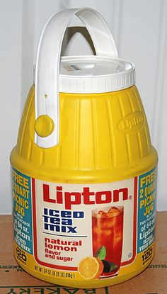 Lipton Iced Tea Mix in plastic barrel shape container with bail handle, c.1970s