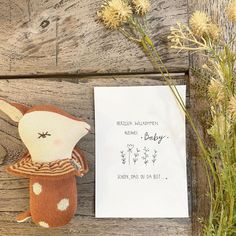 Tolle Idee als Willkommensgeschenk in dieser Welt... Burlap, Baby, Reusable Tote Bags, Nursery Room Ideas, Cordial, Creative Ideas, Amazing, World, Gifts
