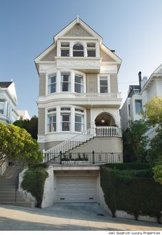 Luxurious victorian home – Pacific Heights, San Francisco.we can live in San Fran if you get me this house! Architecture Design, Victorian Architecture, Beautiful Architecture, Future House, My House, Full House, Ville New York, San Francisco Houses, Pacific Heights