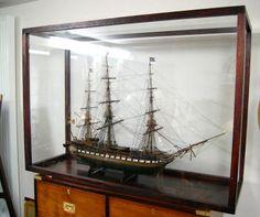 grande maquette artisanale du voilier L'USS Constitution