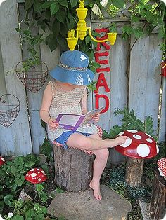 Toadstools and an outdoor reading nook-- TOO CUTE!