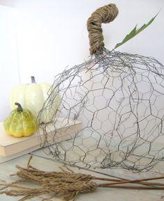 chicken wire DIY pumpkin