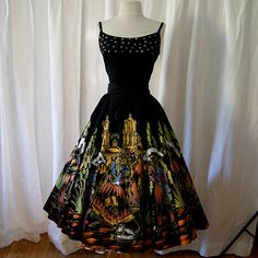 Gorgeous 1950's hand painted Mexican skirt with Mariachi and dancers