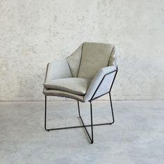 Moderne stoel metalen frame lichtgrijs