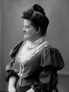 1840 hairstyles women related keywords
