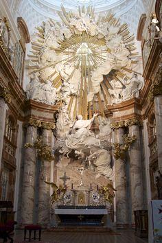 Wien, Karlskirche, altar