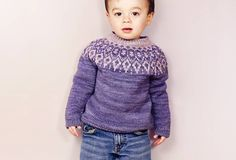 3meses a 8años- Alopapeysais a traditional sweater from Iceland known for its fleecy wool, kaleidoscopic color patterns, and circular yoke. This miniature take on the Icel...