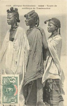 Young women wearing beautiful hairstyles, Timbuktu (Mali)