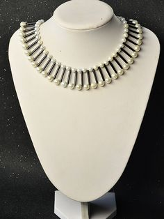 Pandahall Original DIY Project – How to Make a Pearl Bead Necklace with Bugle Beads Bugle Beads, Pearl Beads, Bracelet Making, Jewelry Making, Necklace Tutorial, Necklace Ideas, Beaded Jewelry, Jewelry Necklaces, Seed Bead Earrings