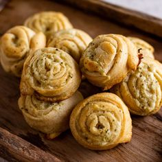 Garlic Bread Pinwheels By Ree Drummond