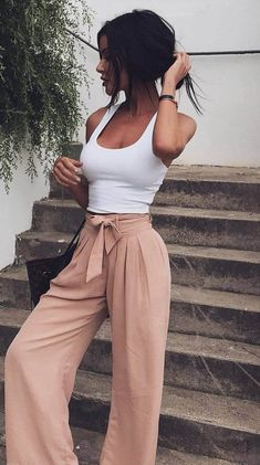 Look at our simple, confident & basically stylish Casual Fall Outfit inspirations. Get motivated with these weekend-readycasual looks by pinning your most favorite looks. casual fall outfits for teens Looks Style, My Style, Boho Style, Outfits Damen, Look Fashion, 90s Fashion, Fashion Women, Urban Fashion, Feminine Fashion