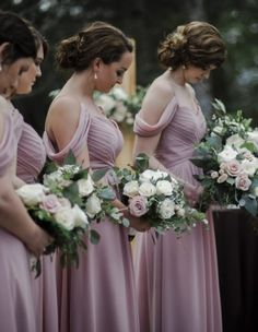 Mauve, blush and ivory bridesmaids bouquets with greenery, roses, spray roses, and ginestra. Beautiful spring wedding flower inspiration. Florals: Wildflowers LLC, Photography: Abigail Volkmann #weddings, #bouquets, #springwedding, #mauve, #florals, #weddingflowers
