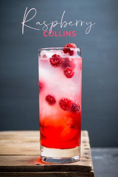 A riff on the classic Tom Collins, with fresh raspberries making this a beautiful blushing pink gin cocktail! Sloe Gin Cocktails, Classic Gin Cocktails, Gin Cocktail Recipes, Pink Cocktails, Cocktail Drinks, Raspberry Gin Cocktail, Pink Gin Recipe