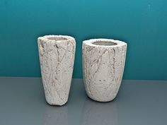 A striking vase can instantly lend character to a room, can brighten up and revive the dullest or most neglected corners, and can also make for a wonderfully unique gift. In this tutorial, the guys from LJ Lamps demonstrate how to make a beautiful and attention-grabbing vase using concrete, a material which i