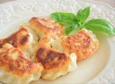 Pierogi z mięsem Pierogi, Cauliflower, Shrimp, Meat, Chicken, Vegetables, Food, Cauliflowers, Veggies