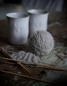 cozy with yarn / marie elisabeth's rum Salon Du Diy, Deco Nature, Fifty Shades Of Grey, Wabi Sabi, Knitting Projects, Knitting Patterns, Neutral, Crafty, My Favorite Things