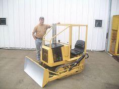 Garden Tractor Turned Into Yard Tractors, Small Tractors, Truck And Tractor Pull, Tractor Pulling, Caterpillar Bulldozer, Homemade Machine, Homemade Tractor, Tractor Implements, Crawler Tractor