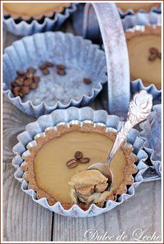 Dulce de Leche: Kávové tartaletky Mini Desserts, Just Desserts, Delicious Desserts, Coffee Dessert, Pie Dessert, Slovak Recipes, Kinds Of Pie, Mini Pies, Food Crafts