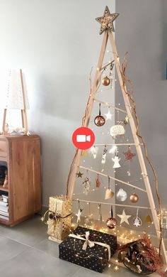 Sapin de Noël en bois esprit scandinave #modedete #tenuesdete #modedete