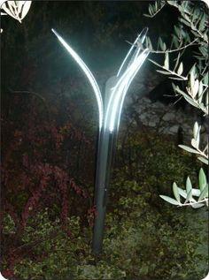 Faretto led esterno con sensore per accensione - Antifurto giardino ...