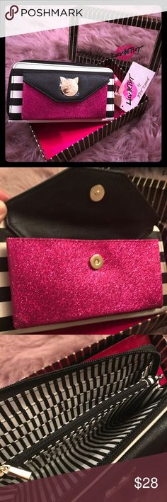 🆕 Betsey Johnson 🎀 Lbamey Striped Wallet 🎀 Show off your fun side with this brand new Luv Betsey by Betsey Johnson Lbamey Black/ white Striped wallet with hot pink glitter pocket. The wallet has a zipper pocket & places for your cards inside. This comes with gift box! Please see additional images for all details :)   💖Thank you for visiting my closet💖  🛍 Bundle and save 20%!! 🐙 This item comes from a pet- free home 🚭This item comes from a smoke- free home 🤔 Please feel free to…