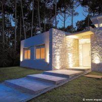 Un refugio elegante - Casas - EspacioyConfort - Arquitectura y decoración Mansions, House Styles, Home Decor, Rural House, Shelters, Style At Home, Rock, Elegant, Architecture
