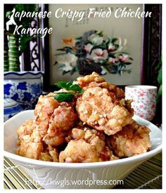 "Japanese Crispy Fried Chicken (唐揚げ, 日式酥脆炸鸡块) This is one of my favorite ""snack"" when I frequented Japanese restaurant and the recipe is much easier than we thought. 非常喜欢日式酥脆炸鸡块,所以才想要学习。鸡块非常酥脆,偏甜,姜和蒜头的味道浓郁,材料和准备都非常简单。 #guaishushu #Kenneth_goh #Japanese_fried_chicken #karaage #唐揚げ Duck Recipes, Raw Food Recipes, Asian Recipes, Appetizer Recipes, Chicken Recipes, Cooking Recipes, Ethnic Recipes, Japanese Fried Chicken, Crispy Fried Chicken"