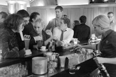 Hochzeitsfotograf Zürich. Michael Bühler. Kitchen Appliances, Storytelling, Black White Photos, Wedding Photography, Nice Asses, Diy Kitchen Appliances, Home Appliances, Kitchen Gadgets