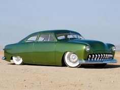 0711rc 01 Z+1950 Ford Sedan+front Right View