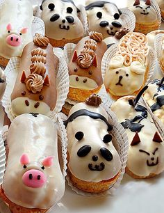 "eataku: "" Not to be outdone by Ikumi Mama, Sunny Days in Hiroshima, Japan has started selling these adorably cute, cream-filled Long John donuts! Pic courtesy of sweetdays. Eclairs, Long John Donut, Cake Cookies, Cupcake Cakes, Cute Food, Yummy Food, Yummy Yummy, Choux Pastry, Food Humor"