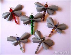 Sudenkorentoja askartelin lauantaiaamupäivän ratoksi tämmöisen liudan. Ja pari enkelikokeilua. Vaatii vielä vähän kehittelyä... Dragon Fly Craft, Leather Projects, Leather Crafts, Beaded Ornaments, Upcycle, Diy And Crafts, Jewelry Making, Drop Earrings, Create