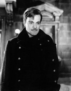 Omar Sharif 24 Hunky Actors That Will Make You Wish Time Travel Was Real Golden Age Of Hollywood, Hollywood Stars, Classic Hollywood, Old Hollywood, Famous Men, Famous Faces, John Travolta, Dr Zhivago, Doctor Zhivago