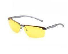 Okuliare zvyšujú kontrast a chránia Vás pred oslnením svetiel protiidúcich automobilov