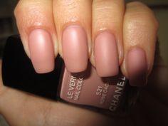 #Chanel Le vernis 521 Rose Caché + #Chanel Beauté des ongles Mat top coat