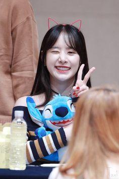 WJSN ♡ SeolA 설아 (Kim Hyunjung 김현정) 떨아야 at fanmeet 160925 #우주소녀 #머리띠 #고양이귀