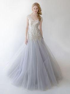 Kelly Faetanini wedding dress