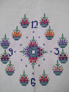 Simple Cross Stitch, Bargello, Cross Stitch Designs, Cross Stitching, Embroidery Designs, Clock, Kids Rugs, Crafts, Cross Stitch Embroidery