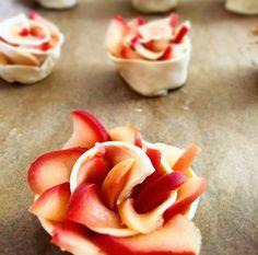 Bonito y dulce: Rosas de manzana con fresas