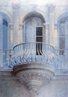 Every castle should have at least one oriel balcony...
