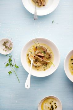 Cannelle et Vanille: Clams in a light fennel and shallot broth #recipe. Pair with Groot Constantia Sauvignon Blanc 2014. Tasting note here: http://www.winewizard.co.za/wine/sauvignon-blanc/white/groot-constantia-sauvignon-blanc-1/ #wine #SouthAfrica